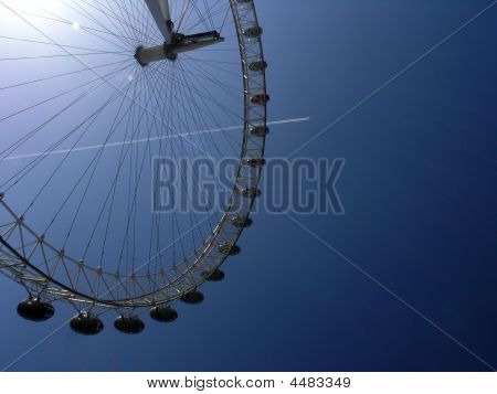 The London's Eye With A Track Of Airoplain