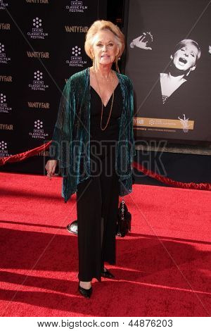 LOS ANGELES - APR 25:  Tippi Hedren arrives at the TCM Classic Film Festival Opening Night Red Carpet