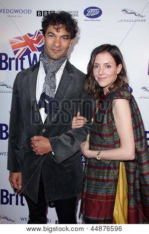 LOS ANGELES - APR 23:  Darwin Shaw, Samantha Whittaker arrives at the 7th BritWeek Festival