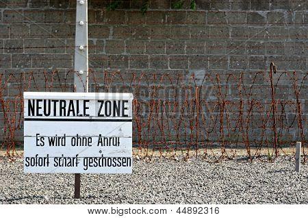 Netral Zone In Nazi Camp