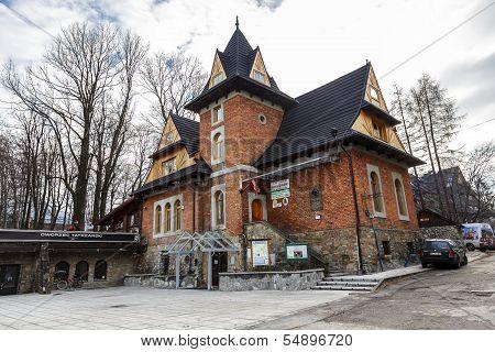Dworzec Tatrzanski Club In Zakopane At Cloudy Day