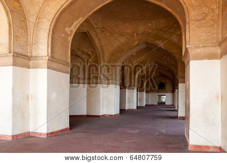 Row Of Arches Receding Toa Door Moghal Architecture