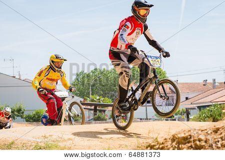 Bruno Berto Leading The Race