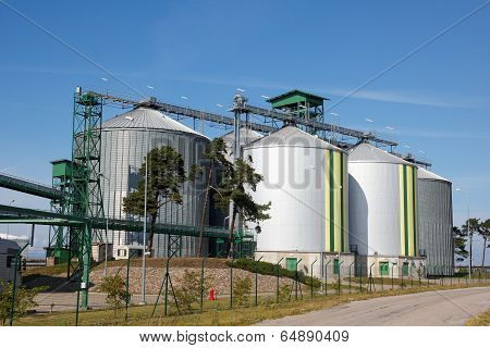 Biofuel tanks
