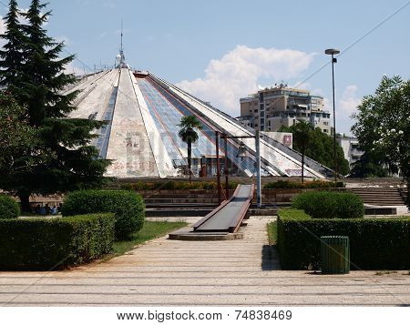Tirana, Hoxha Mausoleum