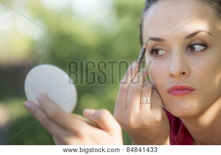 Young And Married Woman, Simple Make Up
