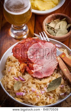 Smoked pork with cabbage (Sauerkraut) and beer