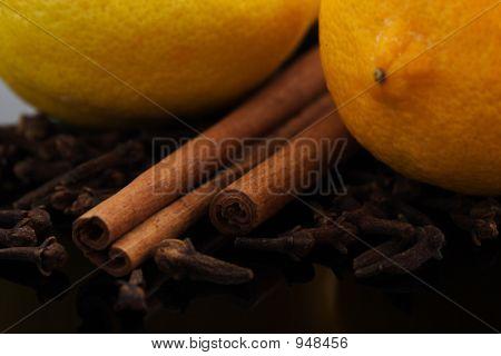 Lemons, Cinnamon And Cloves