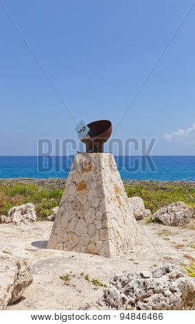 60Th Anniversary Reign Of Elizabeth Ii Monument On Grand Cayman Island
