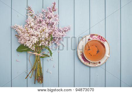 Black English Tea And Blooming Lilac