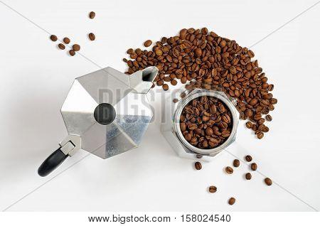 Moka Coffee Pot With Beans