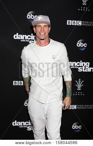 LOS ANGELES - NOV 22:  Vanilla Ice, Robert Matthew Van Winkle at the
