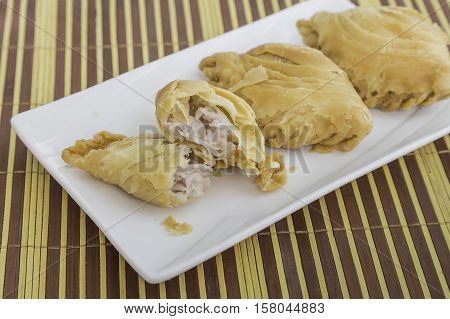 Curry puff, newly fried curry puff, snack, pastry, stuffed bread