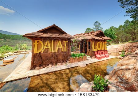 Amazing House Of Clay At The Dalat Star