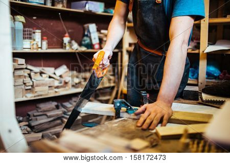 WOrking with handsaw