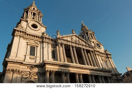 The Saint Paul's cathedral is one of the most famous and most recognisable sights of London. It sits on Ludgate Hill at the highest point of the city of London.