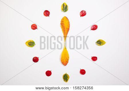 Autumn Time - Clock of autumn leafs