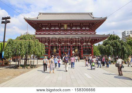 TOKYO JAPAN - SEPTEMBER12 : large number of tourist in sensoji temple on september 12 2015 in tokyo japan