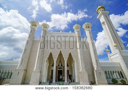 Bandar Seri Begawan,Brunei-Nov 10,2016:Main entrance to Omar Ali Saifuddien Mosque Bandar Seri Begawan Brunei Darussalam.The beautiful architecture & attraction in Brunei Darussalam