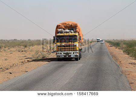 Trucks in Sudan at the Sahara crossing, 23 November 2012