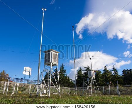 Equipment meteorological station to monitor weather events