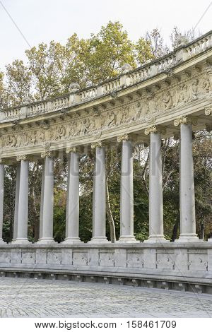 Monument, Fountains and gardens of the royal jardin del retiro in madrid, spain