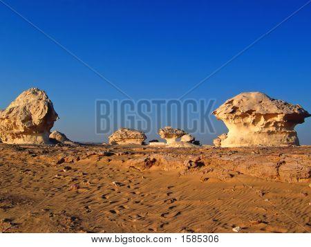 Spetacular Rock Forms Like Mushrooms In The White Desert, Lybian Desert, Egypt