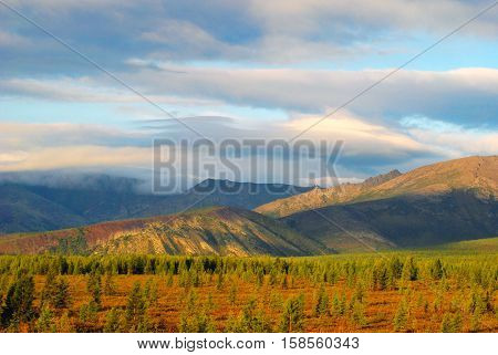 Mountain Altai. Altai - it is an unforgettable beauty of the majestic mountains of the country. The Altai Mountains are a complex system of the highest in the Siberian ridges separated by deep river valleys and extensive intra-and intermountain basins. Al