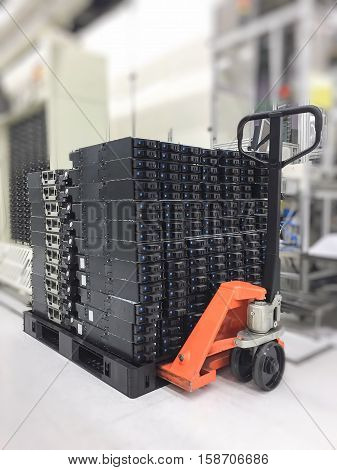 Hand pallet truck support service and repair machine.