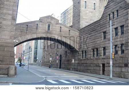 Footbridge between the old Allegheny county jail and the court house.