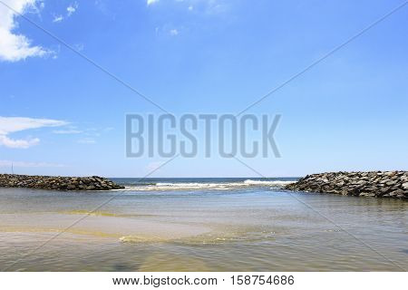 Breakwaters on the banks of the Indian Ocean
