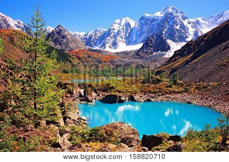 Mountain Altai. Altai Mountains - a beautiful region, which is equal to find beautiful and picturesque is not easy. Not for nothing that the Altai is often called the Switzerland of Russia, and it is not known for any of the two regions, this comparison i
