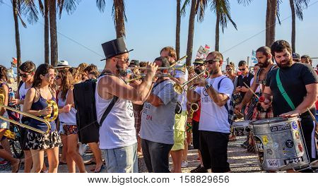 27 November, 2016. Festival de Fanfarras Ativistas - HONK RiO 2016. Brazilian and foreign street musician playing trumpets, tambourines, drums and trombones at Copacabana, Rio de Janeiro, Brazil