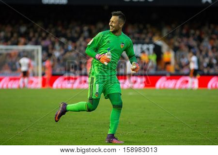 VALENCIA, SPAIN - NOVEMBER 20th: Diego Alves during La Liga soccer match between Valencia CF and Granada CF at Mestalla Stadium on November 20, 2016 in Valencia, Spain