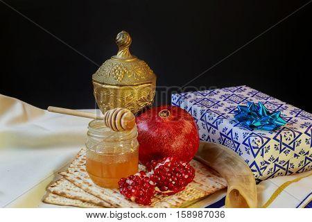 Jewish Holiday Passover  Matzoh Rosh Hashanah