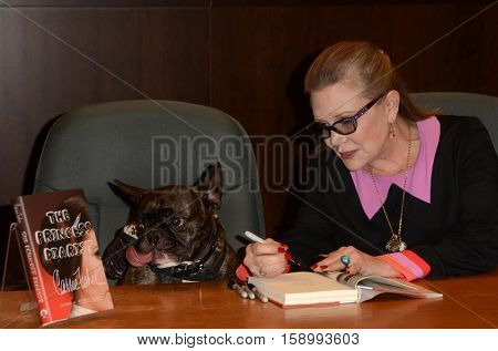 LOS ANGELES - NOV 28:  Carrie Fisher at the Book Signing for