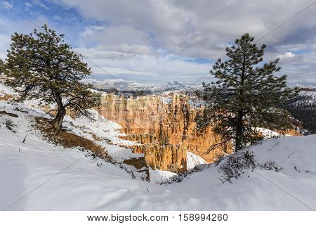 Snowy view of Bryce Canyon National Park in Southern Utah.