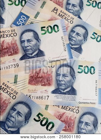 Mexican Banknotes Of 500 Pesos Unorganized, Background And Texture