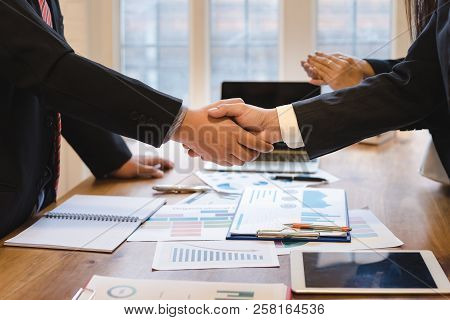 Co-investment Business Shaking Hands Successful Deal After Great Meeting.business Partnership Handsh