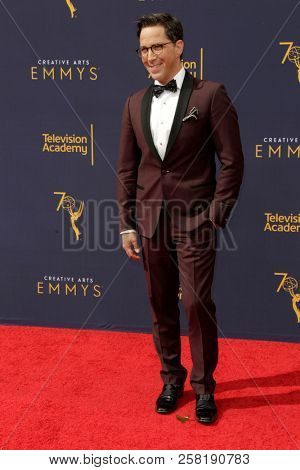 LOS ANGELES - SEP 9:  Dan Bucatinsky at the 2018 Creative Arts Emmy Awards - Day 2 - Arrivals at the Microsoft Theater on September 9, 2018 in Los Angeles, CA