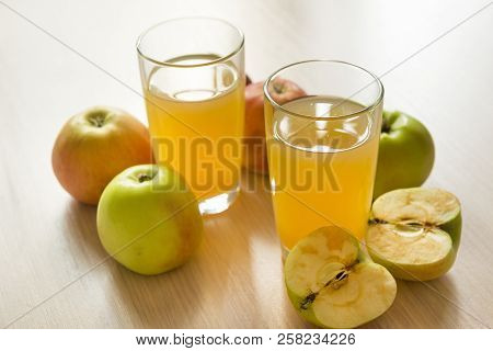 2, Two, Glasses, Apple Juice, Juice, Apples, Fruit, Drink,  Cut In Half   Apple, Whole Apple,