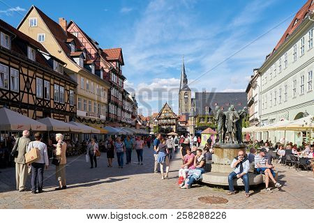 Quedlinburg, Germany - September 08, 2018: Tourists On The Market Square Of The Medieval Old Town Of