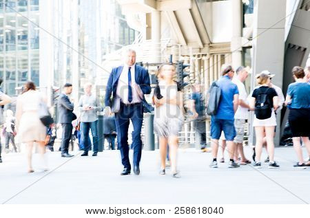 London, Uk - 26 June, 2018: Business People And Office Workers Crossing The Road. Walking People Mot