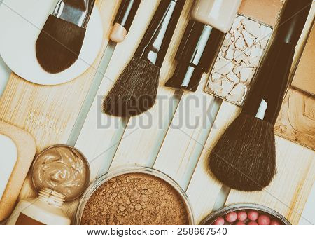Face Make-up Cosmetic Products With Professional Makeup Brushes, Retro Style Processing