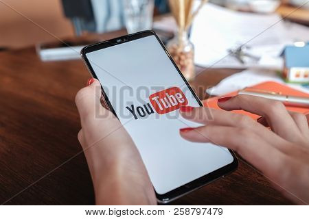 Chiangmai,thailand - Sep 09, 2018: A Woman Showing Screen Shot Of Youtube On Oneplus6 Digital Mobile