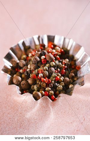 Five Peppercorn Mix - Pink peppercorns, Black peppercorns, White peppercorns, Green peppercorns and Allspice whole