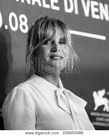 Emmanuelle Seigner attends 'At Eternity's Gate' photocall during the 75th Venice Film Festival at Sala Casino on September 3, 2018 in Venice, Italy.