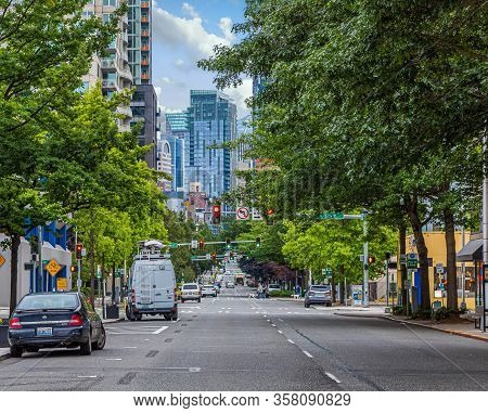Seattle, Washington - July 4, 2019: In Addition To Tech, Seattle Has A Thriving Tourism Industry. Si