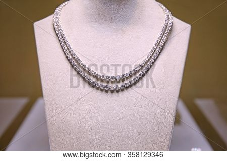 Diamond Necklace In 2 Tiers Studded With Large Real Diamonds