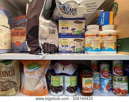 Woodbridge, New Jersey / Usa - March 28, 2020: Dried And Shelf Stable Food Items Are Stored In A Res